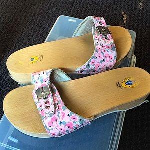 Floral Dr. Scholls sandals